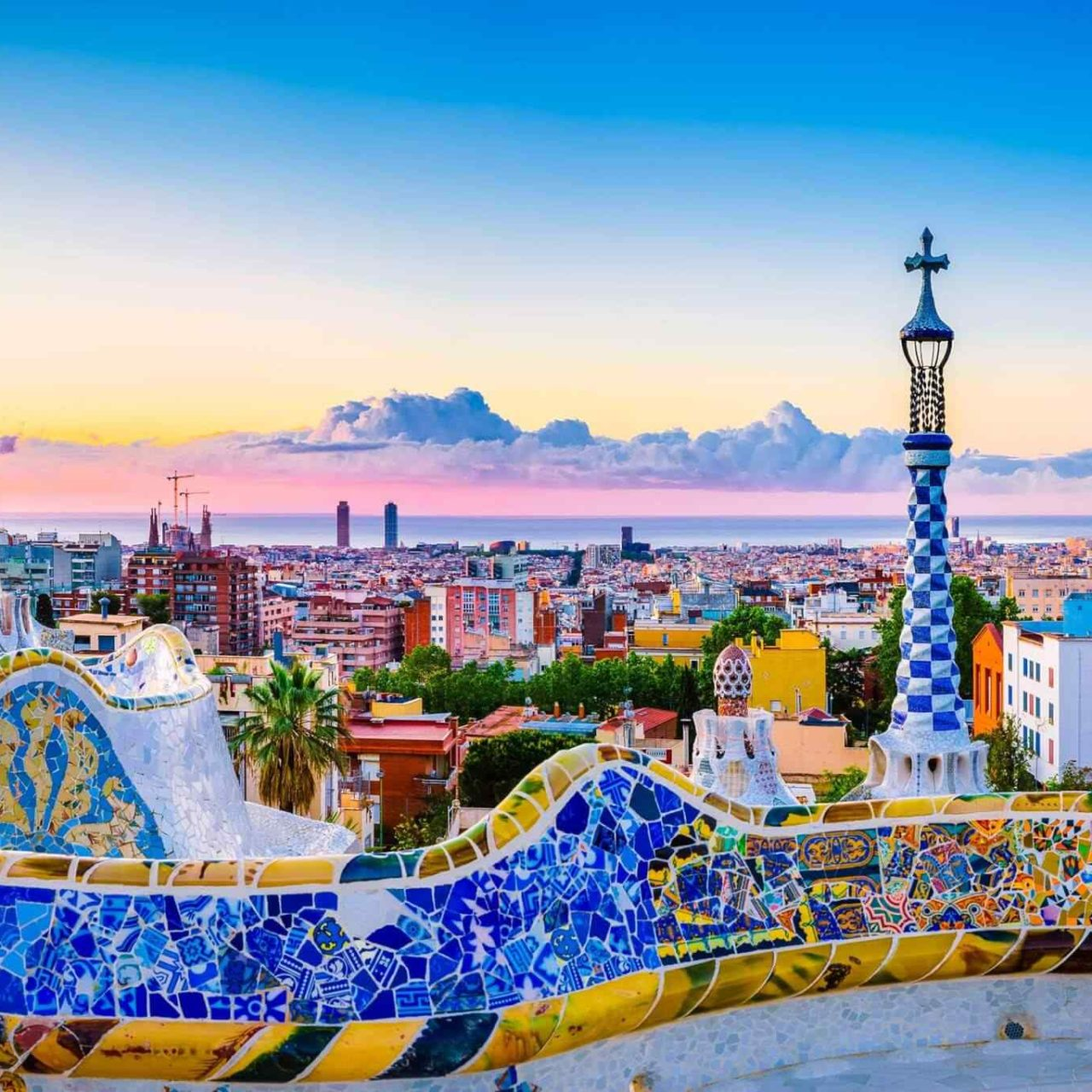https://www.touripp.it/wp-content/uploads/2018/09/destination-barcelona-04-1280x1280.jpg