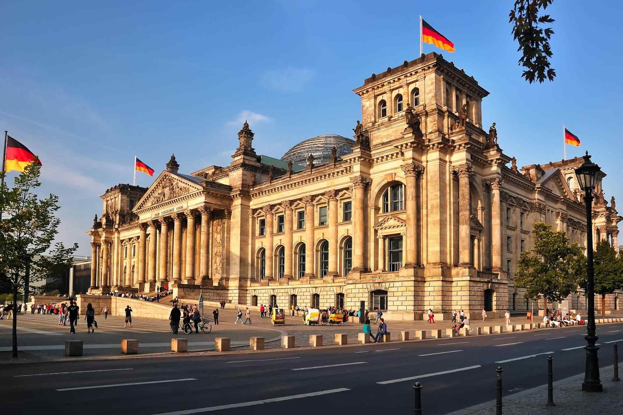 https://www.touripp.it/wp-content/uploads/2018/09/destination-berlin-01.jpg