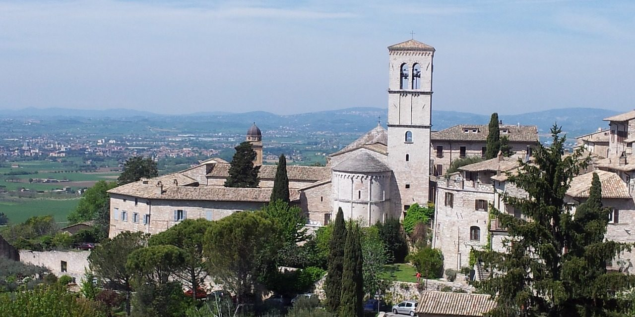 https://www.touripp.it/wp-content/uploads/2020/03/assisi_1573464493-1280x640.jpg