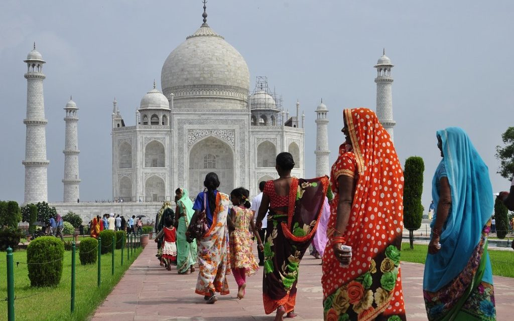 https://www.touripp.it/wp-content/uploads/2020/03/india-triangolo-doro-taj-mahal-1024x640.jpg