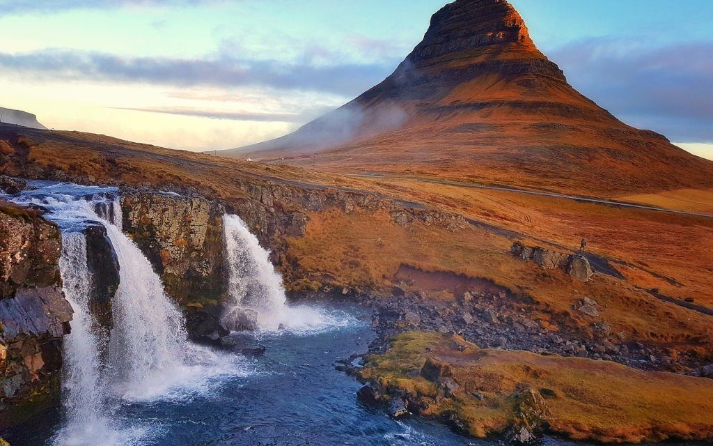 https://www.touripp.it/wp-content/uploads/2020/03/islanda-kirkjufell-1024x640.jpg